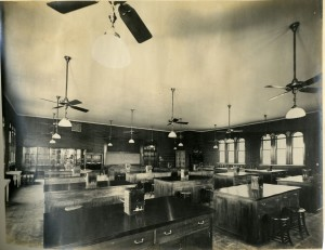 Physics lab 1914