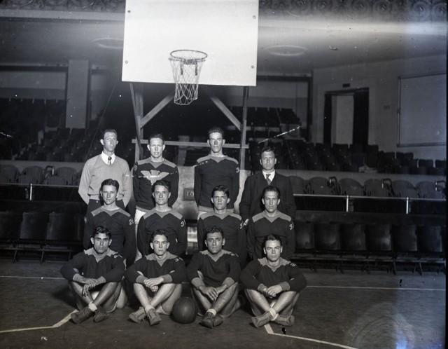 Glass basketball team c1930