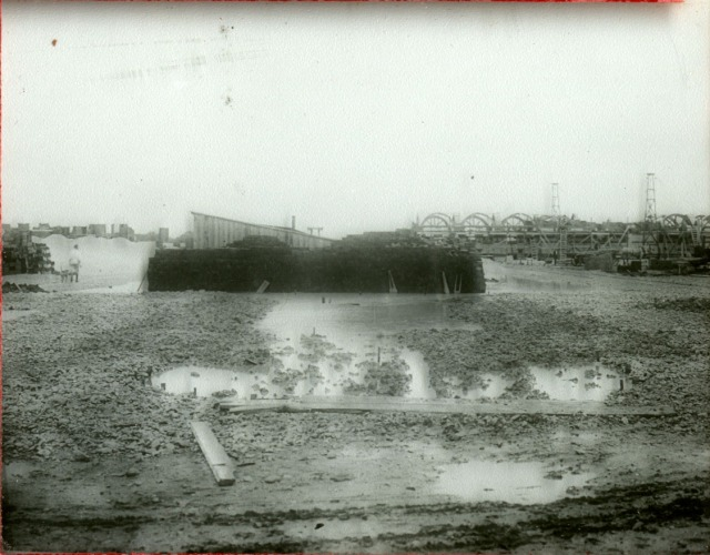 Morehead Papers construction with dog 1910