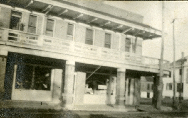 Eagle Ave take car here for Rice c1916 Waggaman