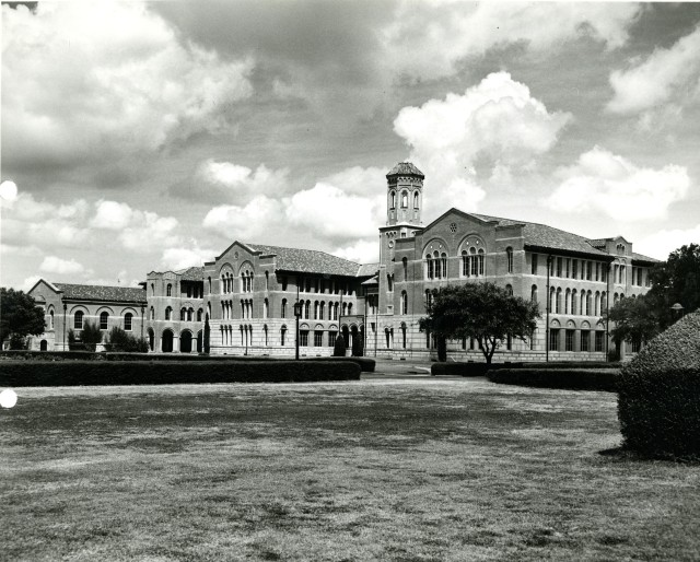Chem lecture hall side view c1930s