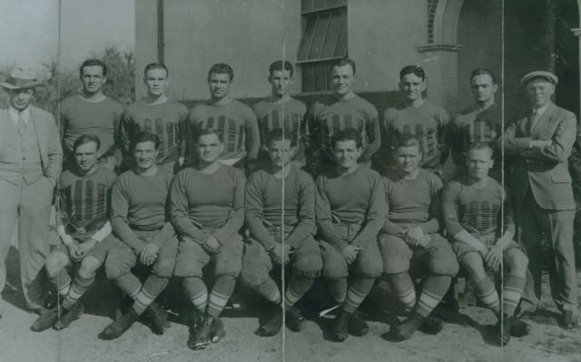 Football team 1926 with Heisman
