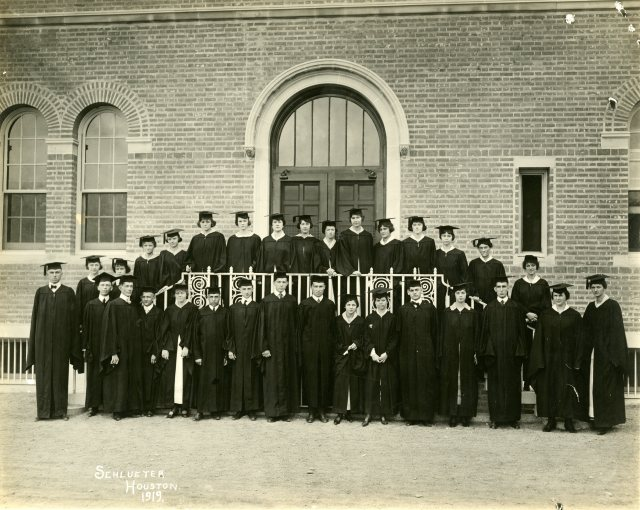 Class of 1919 turnbull and lane at right 050