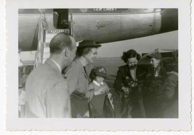 Homecoming 1951 Jack Glenn family at airport 1 053