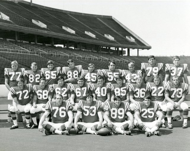 Football team photo c1972 88 in the back row UA155 170 7 064