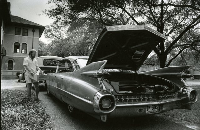Student moving into Baker car trunk 1976 064