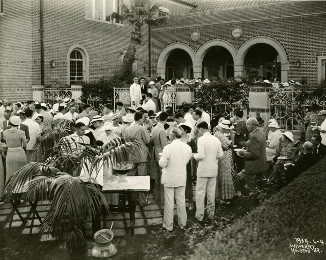 Class of 1919 reunion 1934 cohen house patio 045