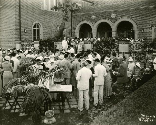 Class of 1919 reunion 1934 cohen house patio 045