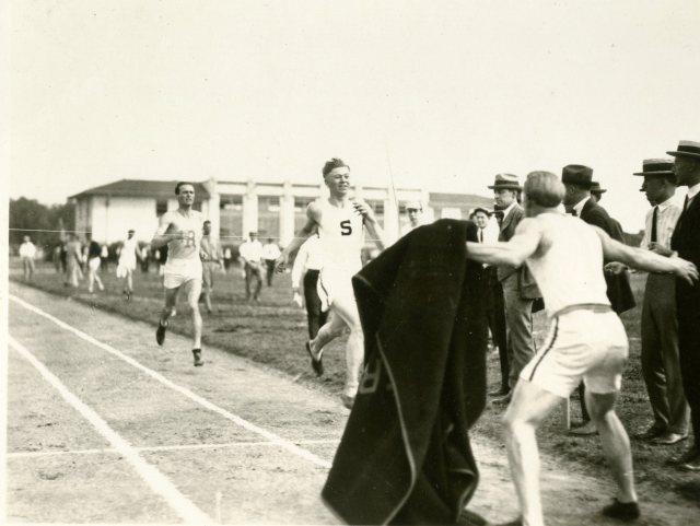 Campbell runner blanket 1  20s 046