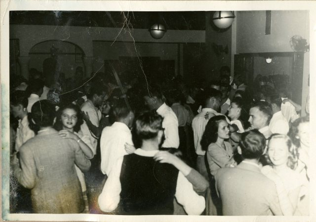 autry-house-dance-c1948-tempe-howze-185