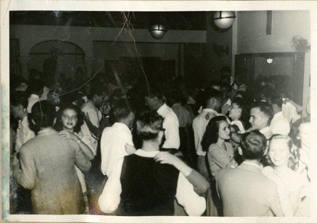 autry-house-dance-c1948-tempe-howze-185