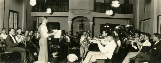 band-autry-house-c1927-113