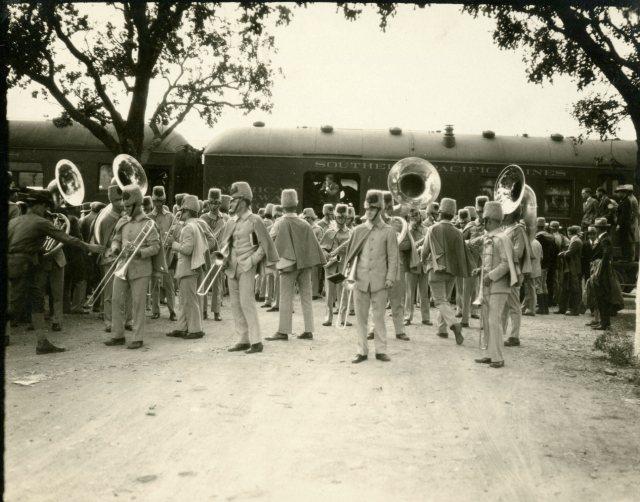 band-trip-c-1927-1-118