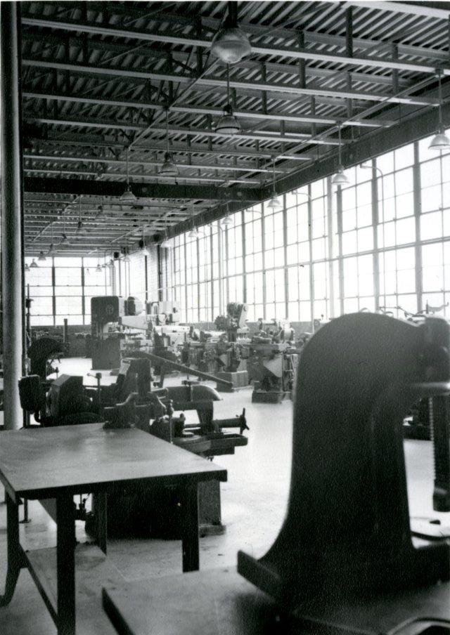 abercrombie-interior-september-1949-046