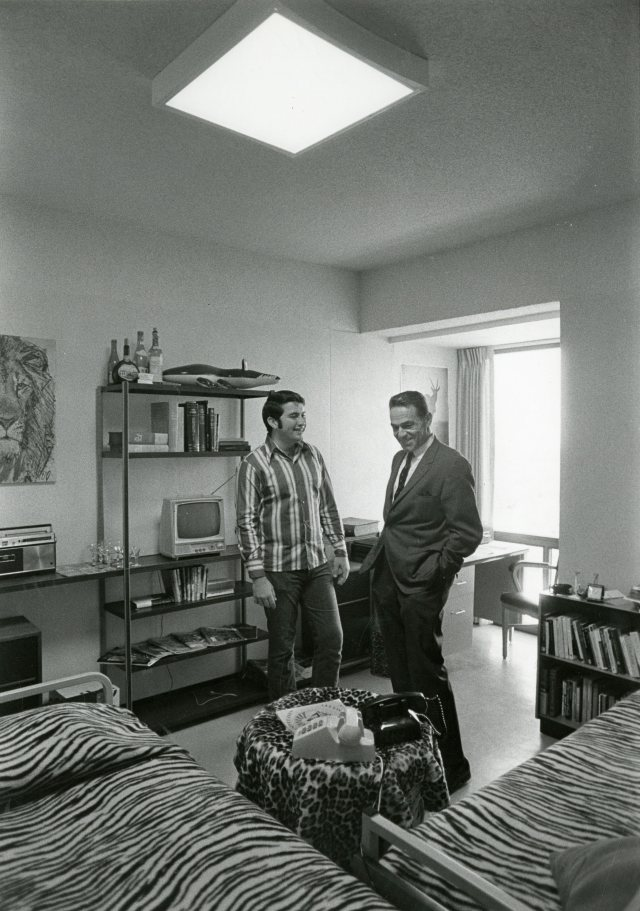 nh-in-sid-dorm-room-1971-with-two-phones-157